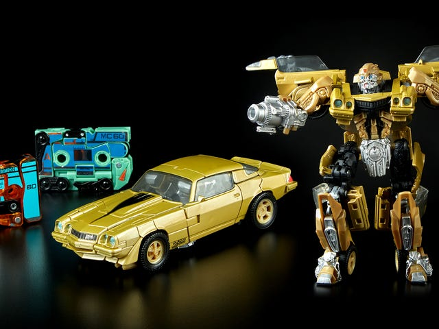 Transforming Dino-Cassettes Join a Retro '80s Bumblebee For This Comic-Con Exclusive