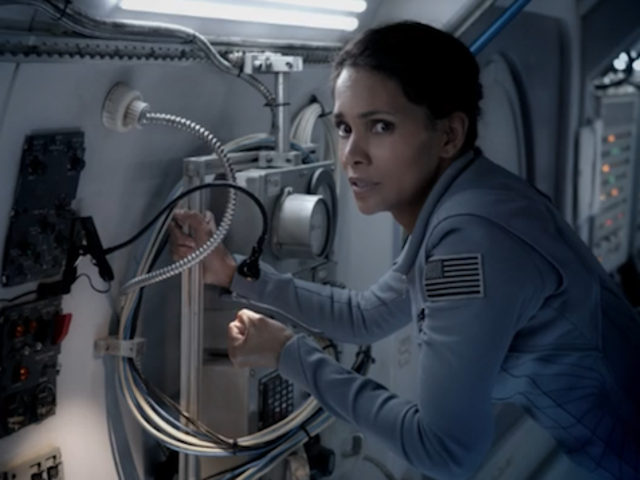 Thankfully, Extant Isn't All About Halle Berry's Space Pregnancy