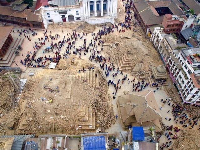 Imagen og dron muestran la destrucción og Nepal tras el terremoto