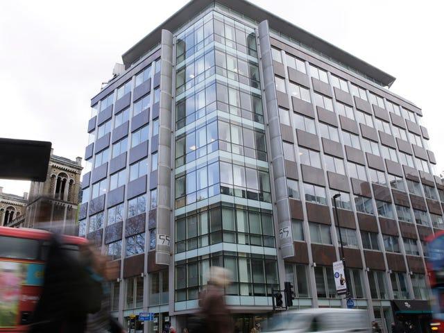 UK Authorities Finally Raid Cambridge Analytica After Obtaining Warrant
