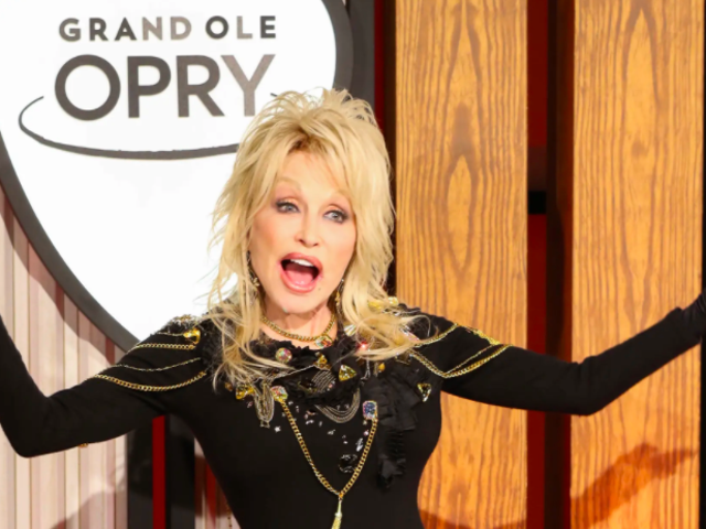 Dolly Parton a produit discrètement Buffy The Vampire Slayer, on suppose?
