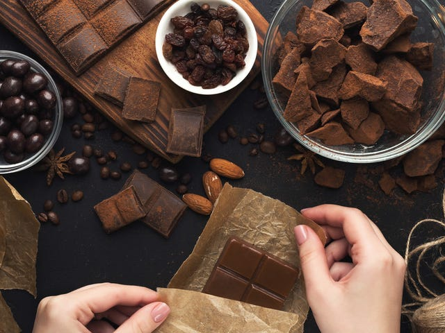 Hot Link: New chocolate making robot renders Oompa Loompas obsolete