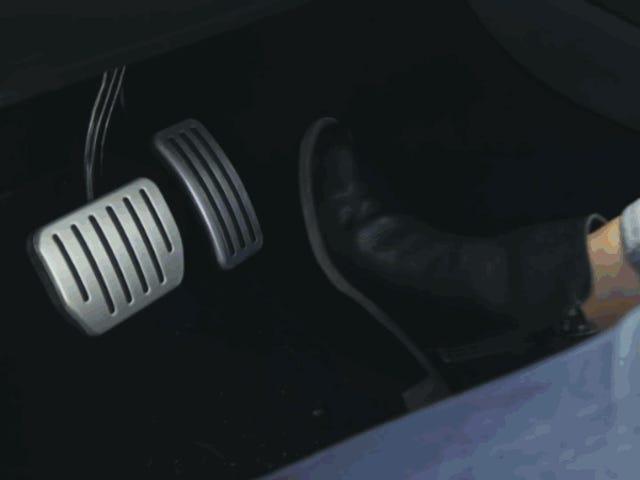 Tesla lanza la aplicación Arcade y convierte el volante de sus vehículos en un mando para jugar