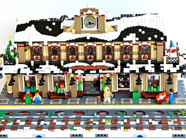 Den här järnvägsstationen i vinterby ger en imponerande display