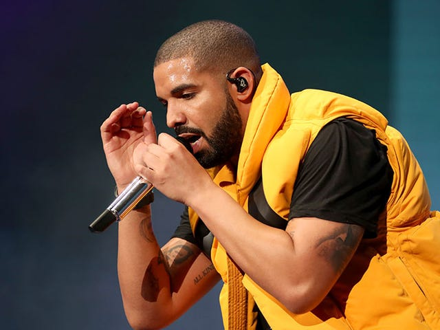 Over 600,000 People Have Tuned In To Watch Drake And Ninja Play <i>Fortnite, </i>Smashing Twitch's Record