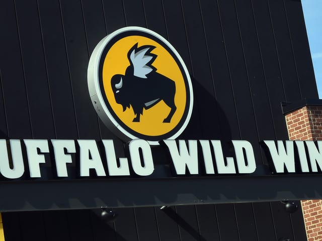 A Hacker Hijacked the Buffalo Wild Wings Twitter Account and Revealed Its 'Secret Recipe'