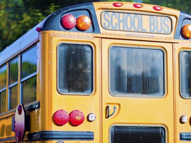 Raportit: Oklahoma High School Wrestlers veloitetaan seksuaalisesti hyökkäävillä joukkuetovereilla bussilla