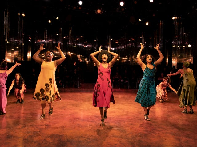 En For Colored Girls 'Revival, hay una estrella en ascenso en rojo que viene a The Batman