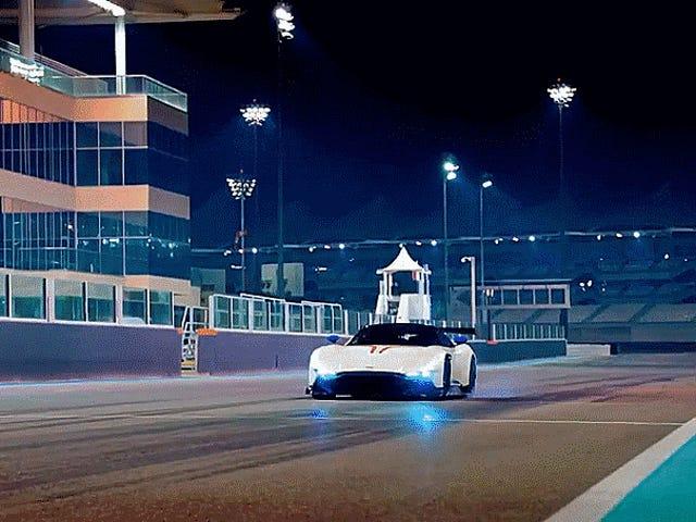 Chris Harris У Aston Martin Vulcan являє собою Кращу Частину Нової Top Gear