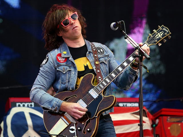 F.B.I. Investigating Explicit Messages Ryan Adams Allegedly Sent to a 14-Year-Old