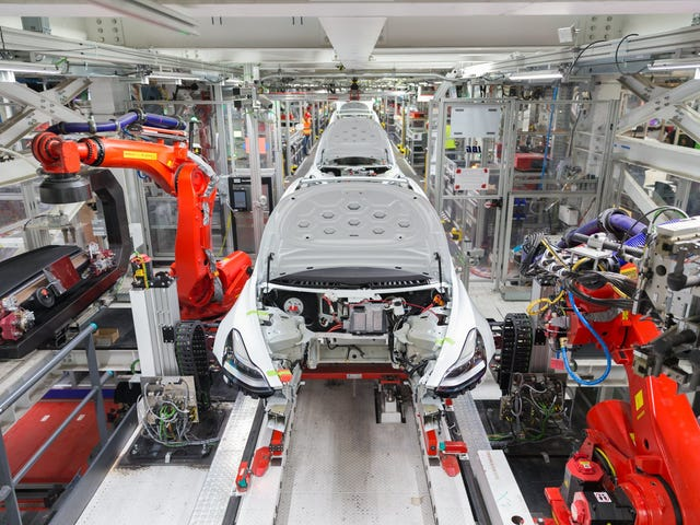 Η Tesla κερδίζει κέρδος Q1 στο πίσω μέρος των πωλήσεων πιστωτικών πιστώσεων