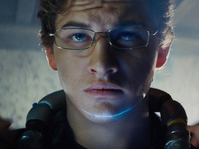 ค้นพบความร่วมมือระหว่าง Spielberg และ Ernest Cline ในโปรแกรม <i>Ready Player One</i> นี้ <i>Ready Player One</i> Featurette