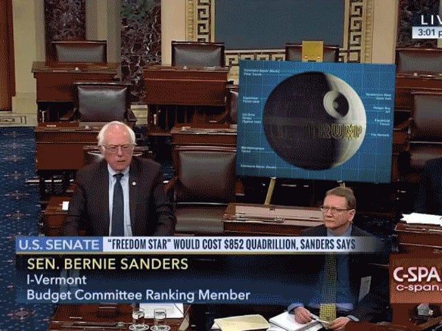 14 grote posters Bernie had naar de Senaatsvloer moeten komen in plaats van die troef tweet