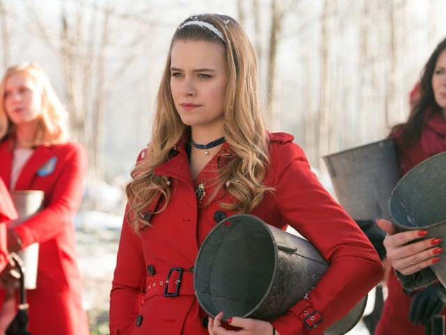 Polly: Dial M For Maple interviewe Riverdale 'Tiera Skovbye