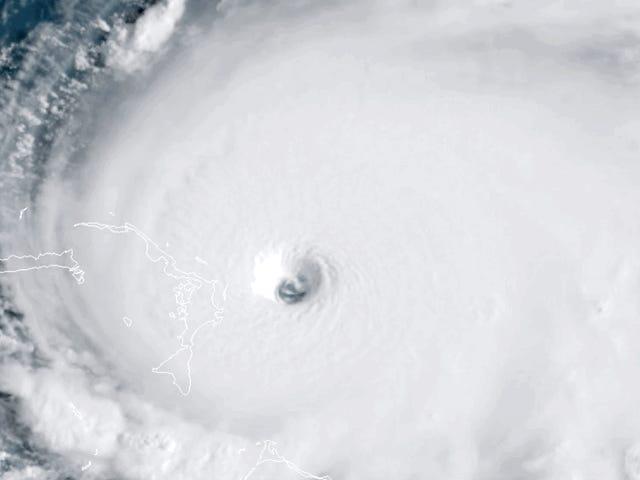 Badai Dorian dinaik taraf kepada Kategori 5 kerana Ia Menimbulkan Kejadian di Bahamas