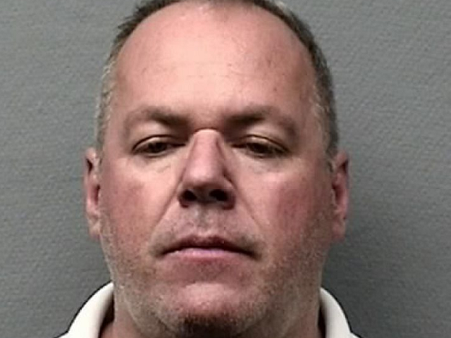 Former United Airlines Pilot (and Houston Brothel Owner) Receives Probation and $2,000 Fine