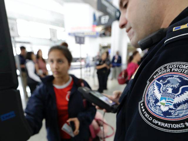 Homeland Security's Airport Facial Scans Are Buggy and Possibly Illegal, Report Finds