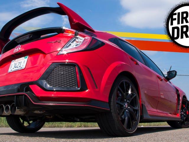 Το 2017 Honda Civic Type R είναι ένα θηρίο, αλλά δεν θα ξεχάσετε ότι είναι ο μπροστινός τροχός