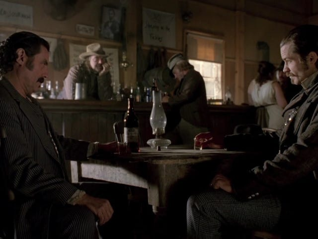 Here's a fan-made Deadwood trailer meant to get all you hoopleheads excited for tonight's movie
