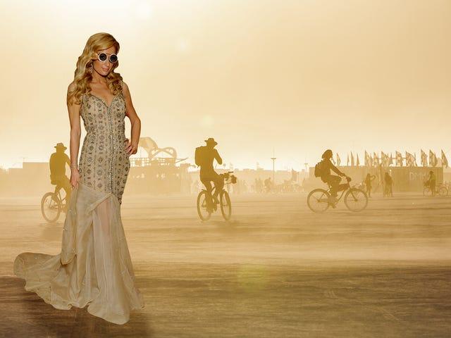 Paris Hilton Goes to Burning Man, Hari 3: Apa yang Anda Cari Mencari Anda