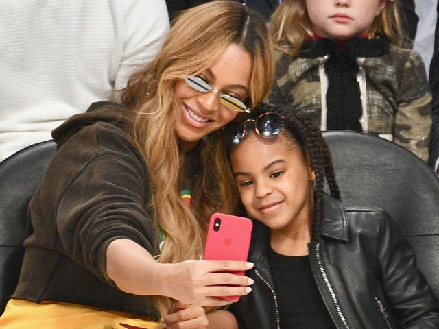 Mommy and Me: Beyoncé and Blue Ivy Go for the Gold at the 2018 Wearable Art Gala