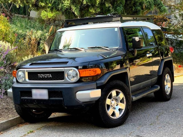For $13,499, Could This 2007 Toyota FJ Cruiser Have You Saying 'Ooh Baby?'
