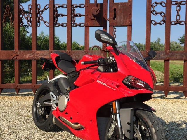 Tanker på Ducati 959 Panigale og saker av hjertet