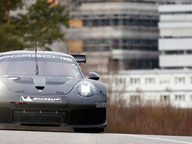 911's Race Car Days Numbered Because Mid-Engined Porsche 960 is Happening