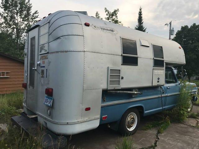 Heard Ya'll like Vintage Camper Setups