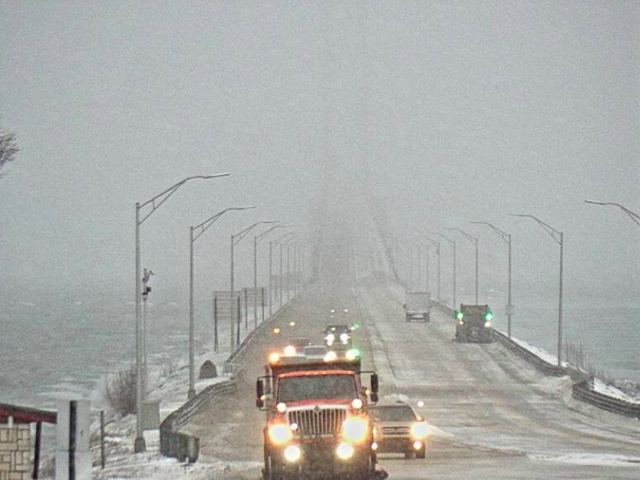 Wind Is Forcing Michigan Authorities to Escort 'High Profile' Cars Across the Mackinac Bridge
