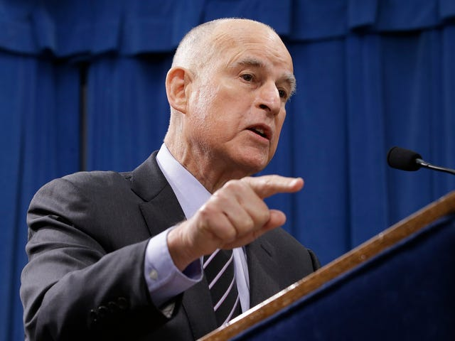 """<a href=https://projectearth.us/jerry-brown-just-one-upped-trump-on-climate-summits-1796671814&xid=17259,15700021,15700043,15700186,15700191,15700256,15700259,15700262 data-id="""""""" onclick=""""window.ga('send', 'event', 'Permalink page click', 'Permalink page click - post header', 'standard');"""">Jerry Brown Just One-upped Trump på klimat toppmöten</a>"""