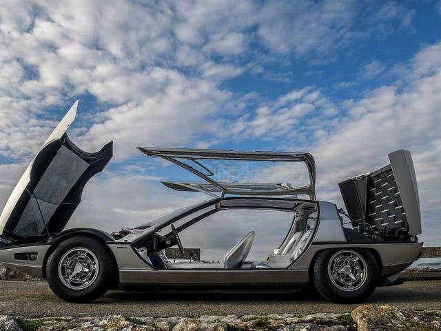 Here's What Half Of Lamborghini's V12 Sounds Like
