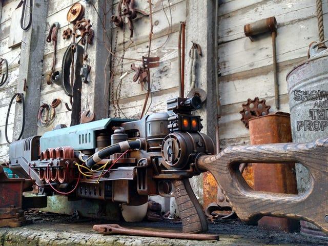 <i>Fallout 4</i> που εκρήγνυται από το <i>Fallout 4</i> ως σκουριασμένο ρεπλίκα