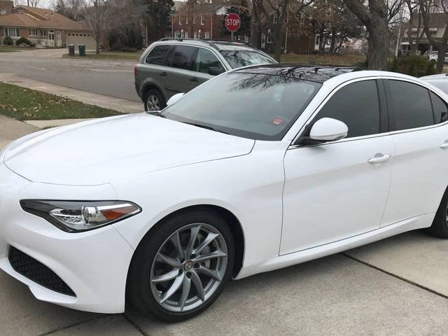 At $22,950, Could This 2017 Alfa Romeo Giulia 2.0 Turn You Into a Latin Lover?