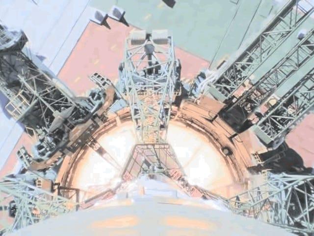 Una cámara a bordo grabó el ascenso y pérdida de control de la Soyuz al accidentarse a 50 kilómetros de altura
