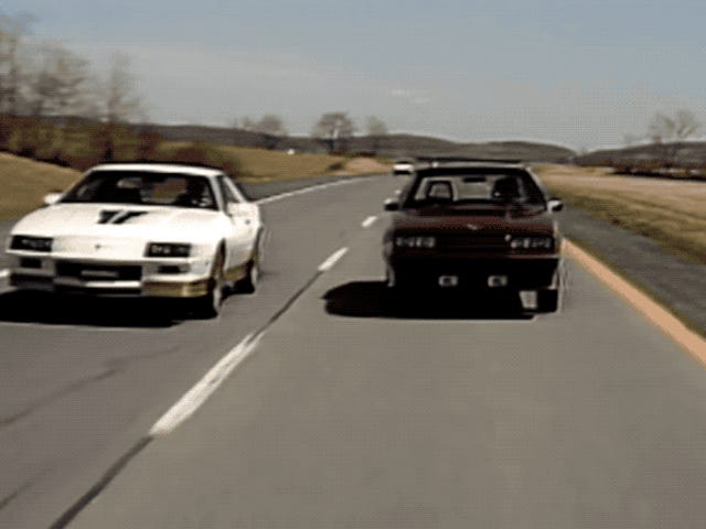 Chevrolet Camaro กับ Ford Mustang: ใครกันบ้าง?