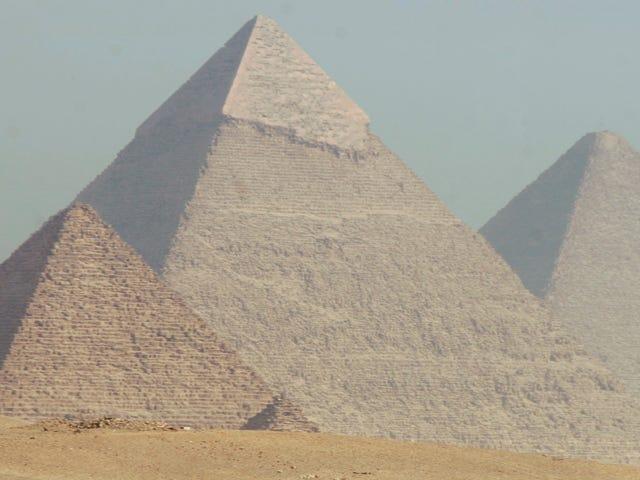 Descubren una sorprendente pirámide de 3.700 años enterrada en la necrópolis de El Cairo