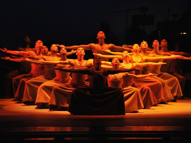 Spread Love: Alvin Ailey Embarks on Its 60th Anniversary National Tour
