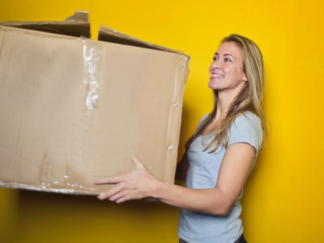 This Site Helps You Find Cheap Items to Hit Amazon's Free Shipping Threshold