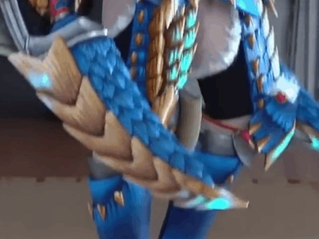 Look At This Damn Monster Hunter Cosplay
