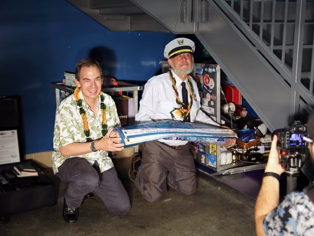 Hawaiian Airlines Seals New Time Capsule With Over 100 Items for the Year 2079
