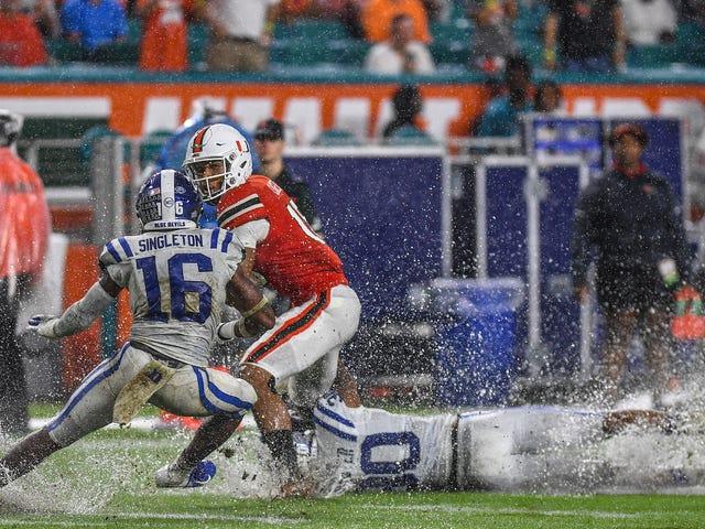 Jets og delfiner vil spille på samme mud Pit Duke og Miami gemt omkring i går