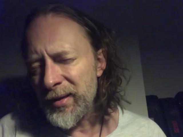 """Thom Yorke estrena nueva canción espeluznante, """"Plasticine Figures"""", en un ambiente apropiadamente espeluznante"""
