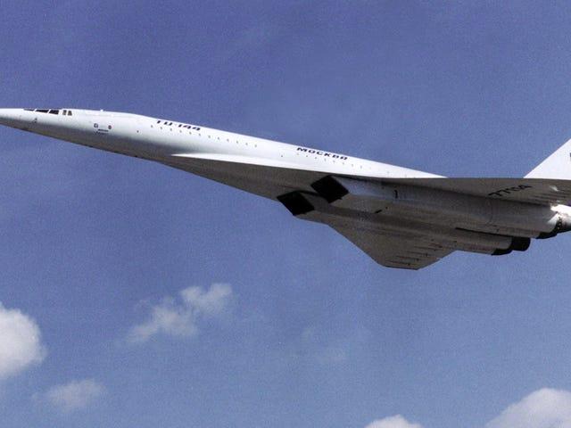 La increíble historia del Concorde ruso, un avión tan ruidoso que los pasajeros se comunicaban con notas