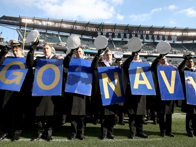 "Ang Navy Football Drops ""Load The Clip"" Bilang Team Motto Sa Wake Of Insensitivity Claims"