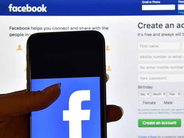 Police Departments Warn Facebook Users to Stop Allegedly Sharing a Child Abuse Video