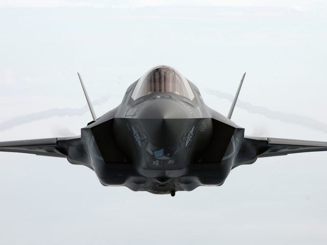 This head on shot of a flying F-35 is so perfect
