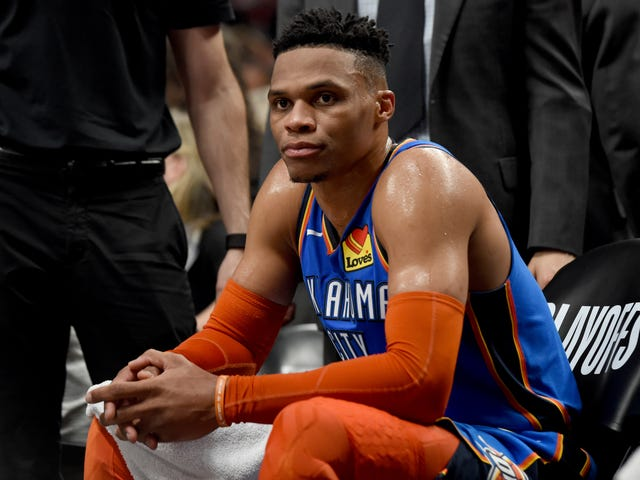 Russell Westbrook overvejer Russell Westbrook