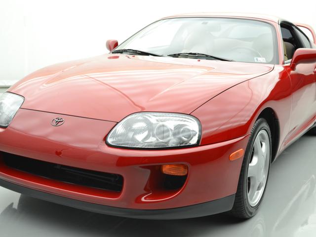 1994 Toyota Supra som solgt for $ 121,000 på å bringe en trailer er nå hos en forhandler for $ 500.000