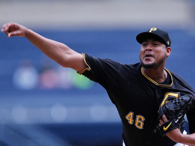 Report: White Sox Acquire Starting Pitcher